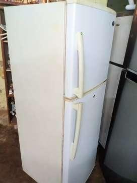 Videocon 240 liter 2door refrigerator is good condition