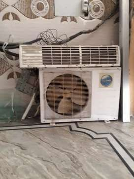 1.1/2 tann AC.  split for sale ( LLoyd )