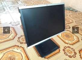 Monitor HP LA2205wg bekas