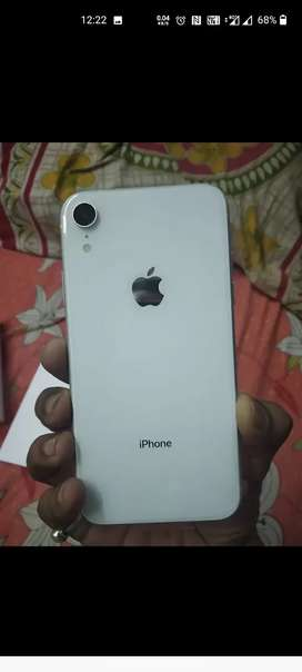 XR in good condition white,128 gb price dead fixed exchange avle
