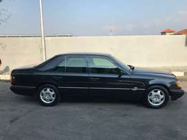 Mercedez Benz W124 E320 Th 1996 ,Hitam ,Siap pakai ,full option