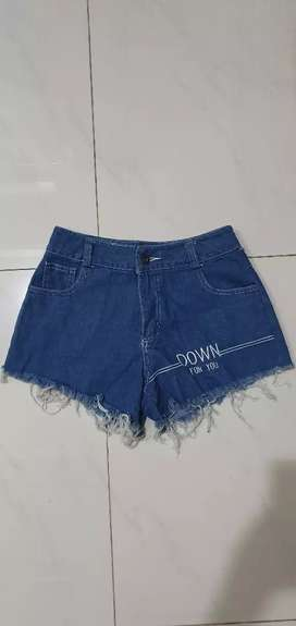 Hotpants jeans impor.bagus bgt .baru.blm pkei