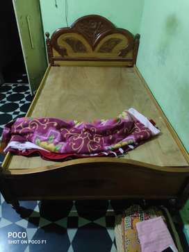 Wooden bed... newly purchased ...only 3 month used..size -6/4