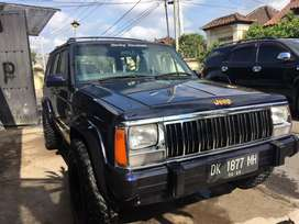 Cherokee Xj Th 1994 Manual 4x4 Aktif Siap pakek