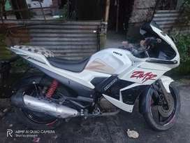 I am selling this bike becoz I have money issues