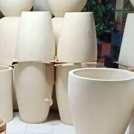 Pot taman minimalis dan elegan  Finishing Glossy size 50x45cm