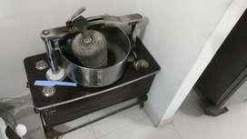 Old model grinder in good condition
