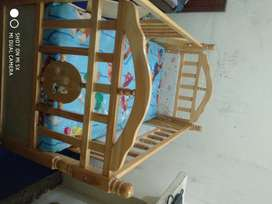 Baby bed for urgent sale
