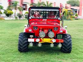 willys open jeeps in big tyres
