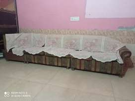 Good cundistion sofa set