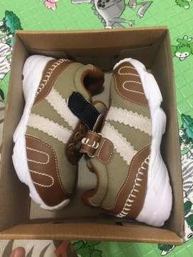 Sepatu anak 1+ cowok ukuran 25
