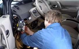 Auto electrician GPS installation