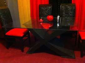 Chen One Style Dining table Like Brand New six cushon chairs