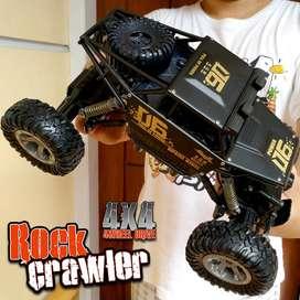 Mainan Remote Control Mobil Rock Crawler 4x4 Off-Road 2.4ghz