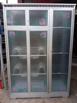 Ready lemari piring pintu 3 stenles putih kca ggetas