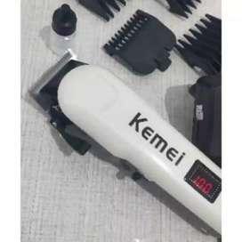 Hair Clipper Kemei  Alat Mesin Cukur Rambut LCD Indicator recharg iw1