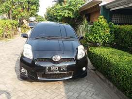 Yaris s limited 2012 TOP CONDITION