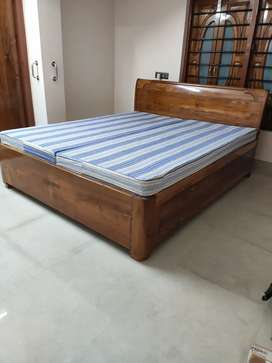 King Size Bed (Box Khat) with Mattress Included
