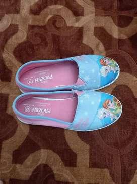 Sepatu anak masih bagus