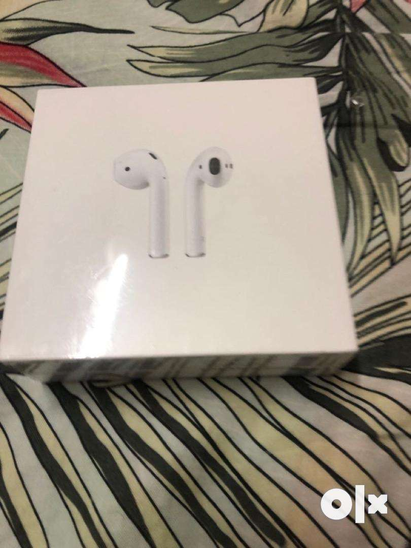Airpod2nd Gen SEALED AND UNBOXED WITH BILL 0