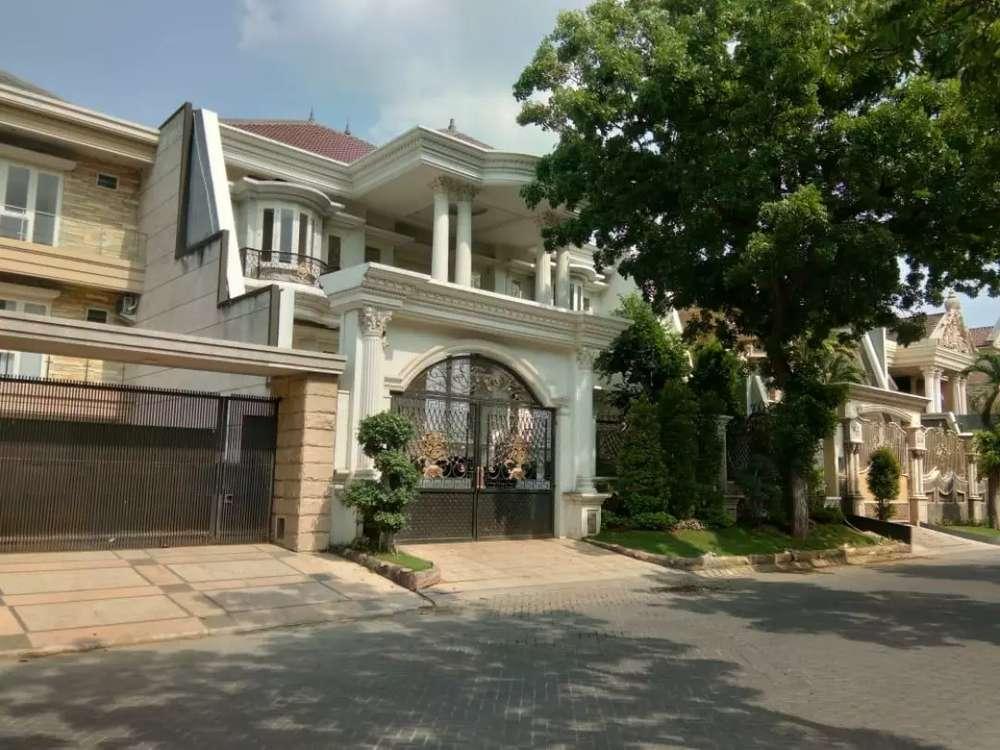 dijual rumah mewah raya villa royal pakuwon city