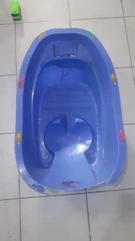 Bak mandi bayi biru2
