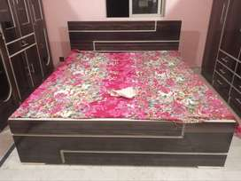 Complete Bedroom Set 4 Pieces. Bed , Dressing , Almari and Divider.
