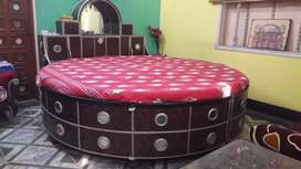 Round Bed King size with Box storage, Mattress & Cushions