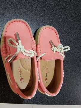 Sepatu anak merek Tracce Kids