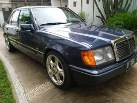 Mercedes benz 300E 1993 a/t