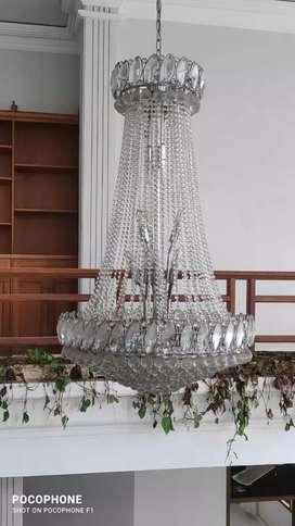 Lampu gantung kristal mewah