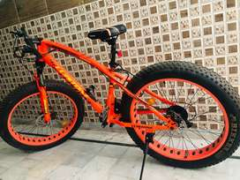 A brand new 5 inch fat tyre cycle in excellent condition
