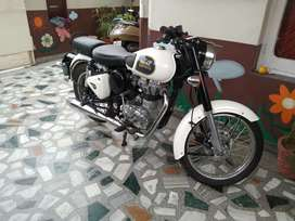 Royal Enfield bullet classic 350 brand new