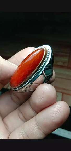 Batu cincin pandan nanas merah