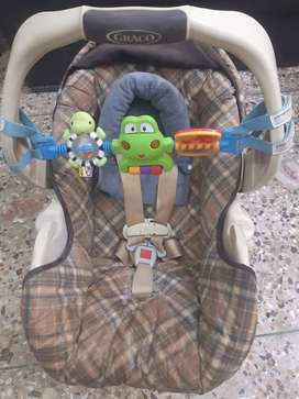Graco Car seat /Carry Cot.