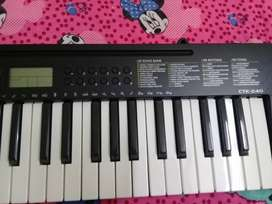 Casio CTK-240 Musical Keyboard