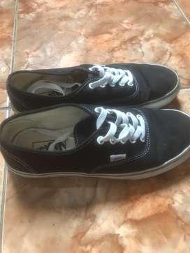 Sepatu Nb dan vans