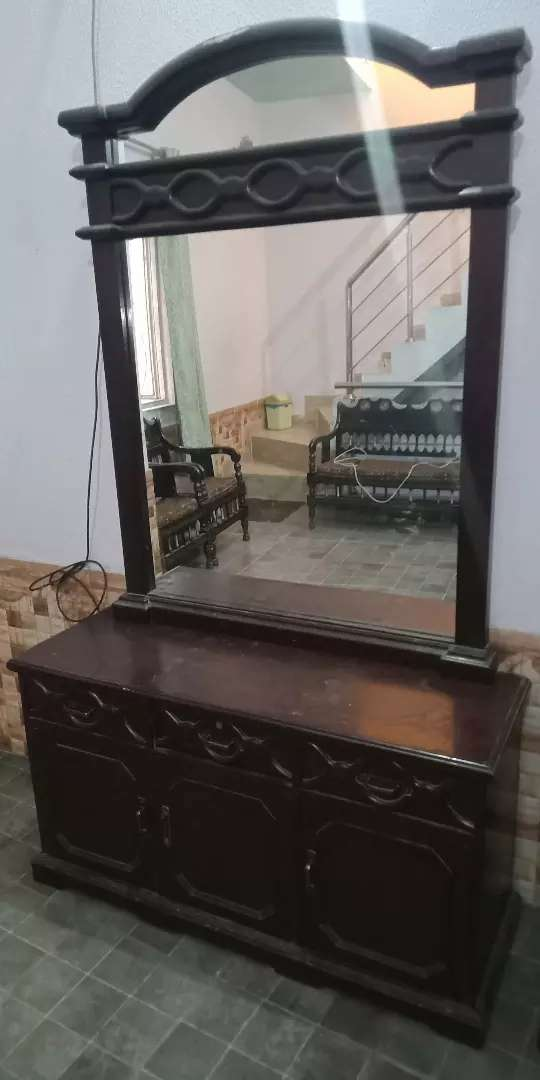 DRESSING TABLE WOODEN 0