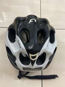 Helm sepeda catlike