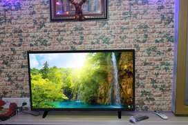 32 smart TV With 2 years warranty