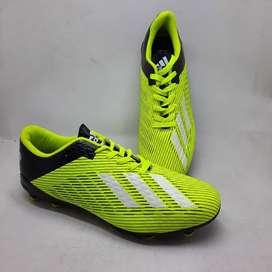sepatu bola futsal