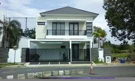 Dijual rumah mewah sukajadi