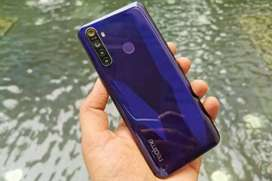 Realme 5 excellent bettery timing 4 ram 64 rom with 11 month warranty