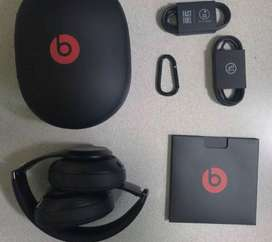 Beats stuido 3 in good condition noise cancelation