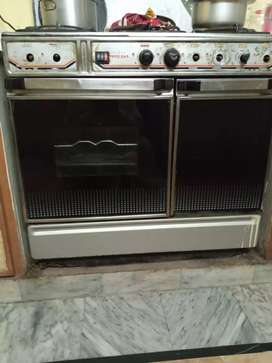 Ovens for sale  in good condition