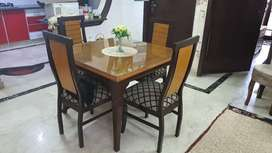 Dining table 4 seater .full polishhed new table