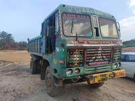 6Tyre tipper Ashok Leyland