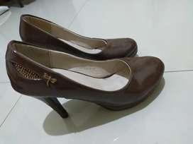 Sepatu pantofel high heels