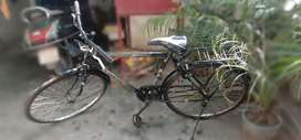 1 year old cycle. Leaving Varanasi urgent selling.