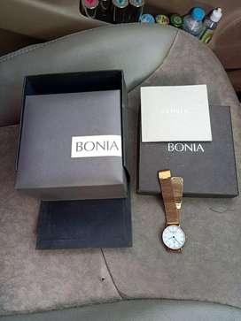 Di jual jam tangan merek Bonia original dan asli kaca shafir jam brt